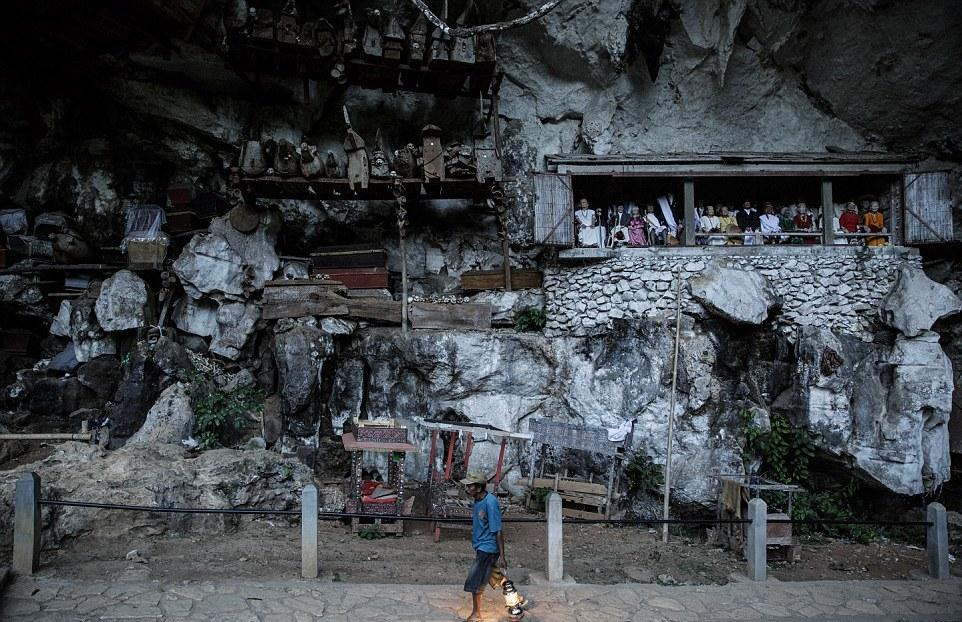 Toraja Cemetery 1